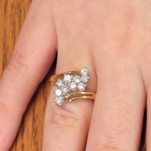 Jewelry - Beautiful Crystal Cluster Prong Set Ring